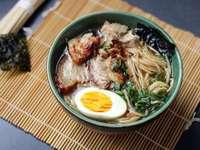 Ramen - japanische Suppe - M .....................