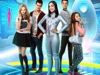 cast di I am franky :-) - yo soy franky è una serie di nickelodeon l'anno in cui è uscito è stato il 2015 ed è termin