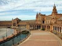 Spania... - M .....................