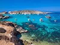 Malta .... - M ...................