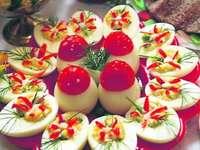 Αυγά σε ένα πιάτο