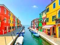 Olaszország ..