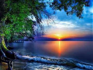 Sonnenuntergang. - Landschaftspuzzle.