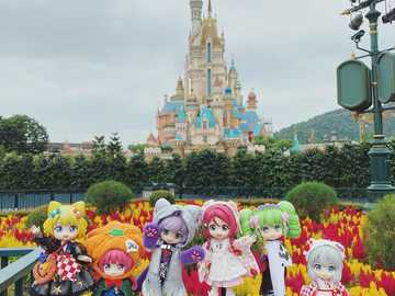 Little trip to Disneyland with friends - Little trip to Disneyland with friends