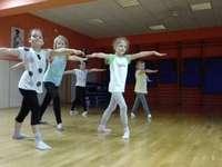 Aprendiendo a bailar - M .....................