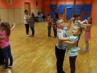Învățând să dansezi - M .....................