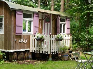 A trailer as a garden shed - A trailer as a garden shed