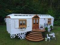 Rimorchio da costruzione come casetta da giardino o da vivere - Rimorchio da costruzione come casetta da giardino o da vivere