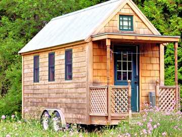 A tiny house to live in - A tiny house to live in