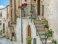 L'Aquila Gasse Abruzzen Italien