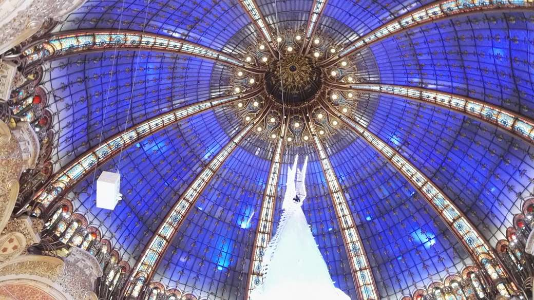 GALERIES LAFAYETTE PARIS - NÖEL - Párizs bevásárlóközpontja (14×8)