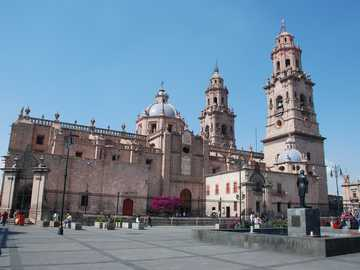 Morelia Cathedral - The cathedral of the City of Morelia, Michoacán.