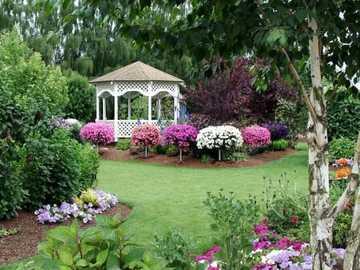 Jardim, gazebo, flores - M .....................