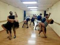 Învățând să dansezi - M ...................