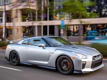 Nissan GTR - Sogna spesso, guidali ogni giorno