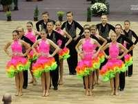 Echipa de dans - M .........................