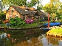 Εξοχικό σπίτι και βάρκες
