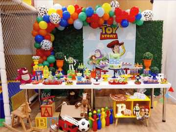 Toys puzzle - This puzzle was made to help my students to learn about toys.
