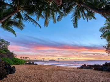 Плаж на остров Мауи. - Пейзаж пъзел.