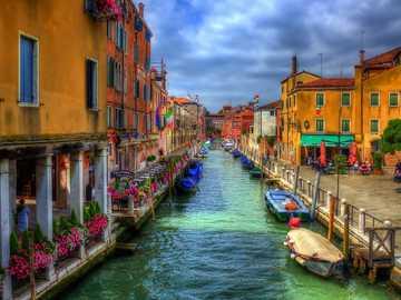 Цветна Венеция. - Пейзаж пъзел.