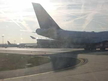 Letiště - letadla na letišti ...