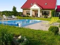 Huisje met zwembad - M ..........................