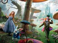 ALICE PUSSEL - Enkelt pussel av Alice in Wonderland