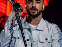 énekes1 - Latin-amerikai énekes2
