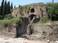 Starověké římské mauzoleum Augusta - Starověké římské mauzoleum Augusta