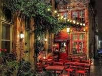 Encantadora Bélgica - Esta es una foto de un elegante lugar para comer.