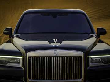 2018 Rolls-Royce Cullinan - This Is A Photo Of A Car.