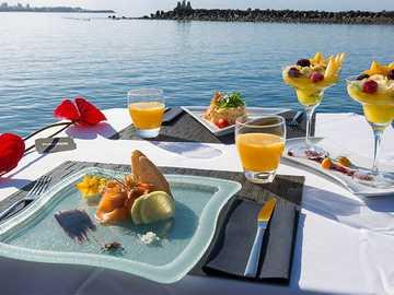 Frühstück mit Blick auf das Meer - Frühstück mit Blick auf das Meer.