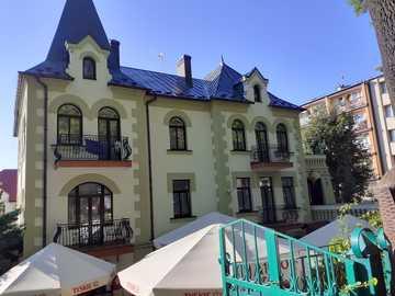 Palatul din Busko Zdrój - M ...................