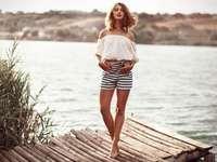 Zomer mode - Vrouw in de zomermode
