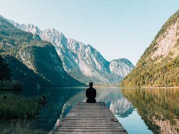 Landschaft mit See - Schöne Landschaft mit See
