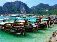port in koh phi, phi - m .......................