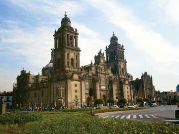 Novohispano - This building is a clear representation of New Spain art