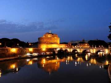 Кастел Сант Анджело - Castel Sant'Angelo през нощта, Рим 2018