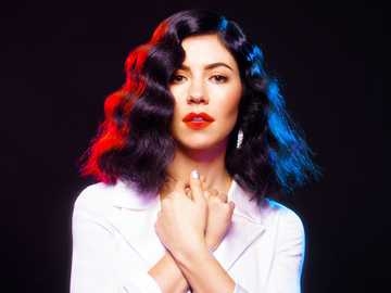 marina and the diamonds - Singer Marina and the Diamonds