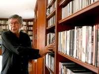 Alfredo B.E. - Alfredo Bryce ist ein bekannter peruanischer Schriftsteller, der sich mit Themen von großem Interes