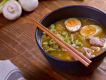 Iss Ramen - Iss Ramen japanisches Essen