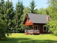houten huisje in het bos - m ........................