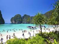beach on phi phi island - m ........................