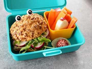 gluten free lunchbox - m ........................