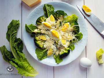 green lettuce with broccoli and eggs - m ........................