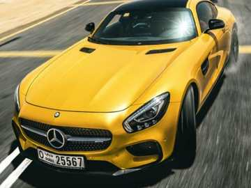 Super auto - Snelle gele Mercedes Super Car