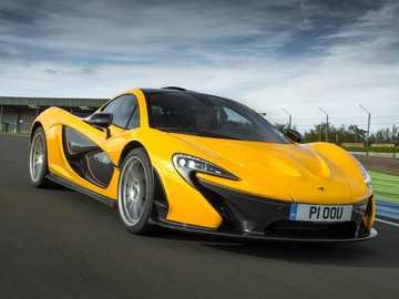 McLaren autója - m .............................