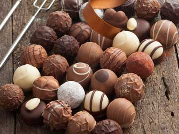 Čokolády - M ....................