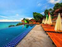 the island of ko phi phi - m ........................