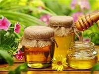 Βάζα με μέλι - Βάζα με μέλι και λουλούδια